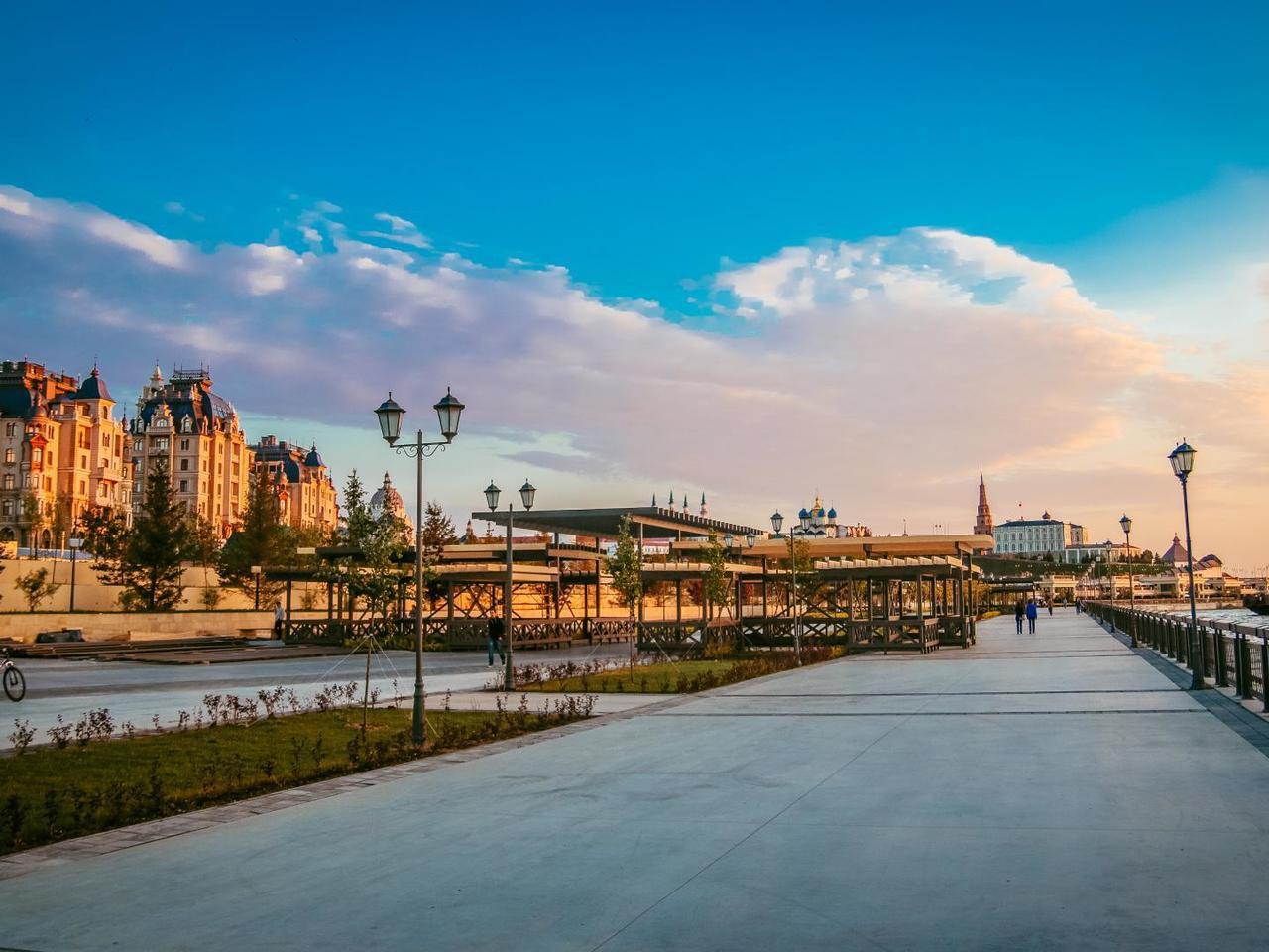 Кремлевская набережная, Казань