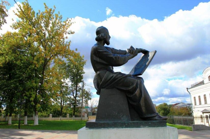 Памятник Андрею Рублеву, Владимир