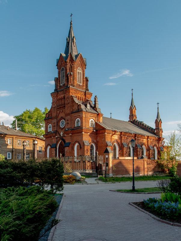 Храм Святого Розария Пресвятой Девы Марии, Владимир