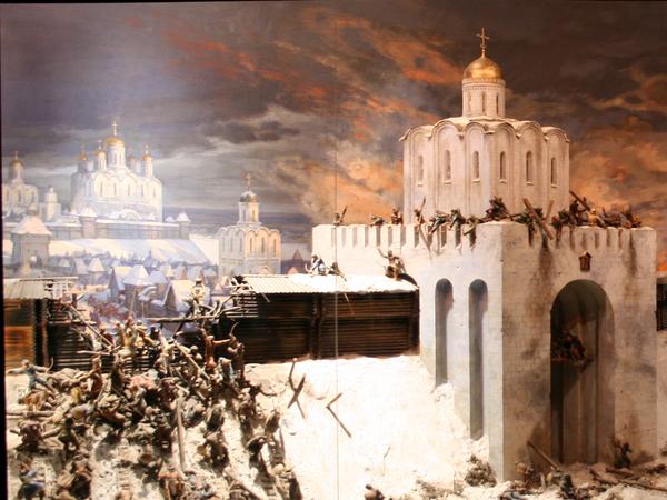 Военно-историческая экспозиция в Золотых Воротах