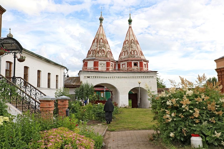 Ризоположенский монастырь