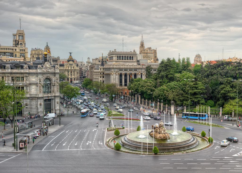 Площадь Сибелес, Мадрид