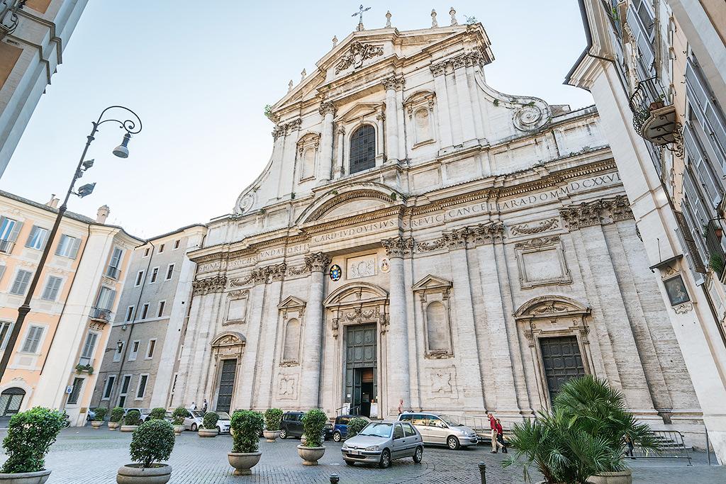 Церковь Сант-Иньяцио ди Лойола