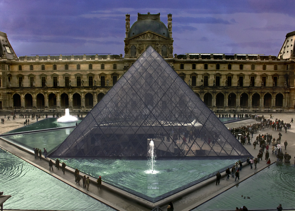 Лувр франция картинки