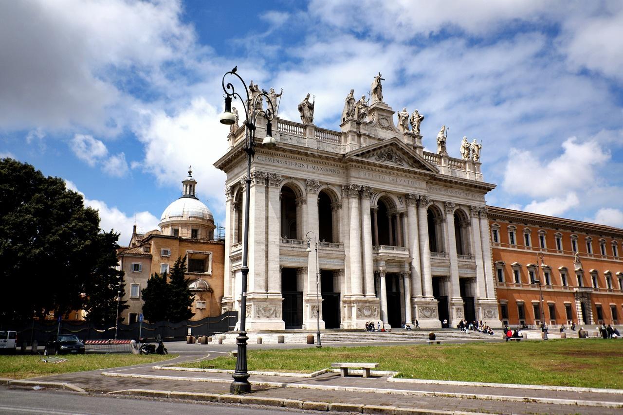 Латеранская базилика (Базилика Сан-Джованни-ин-Латерано)