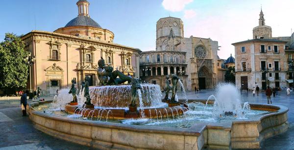 Площадь Святой Девы Марии