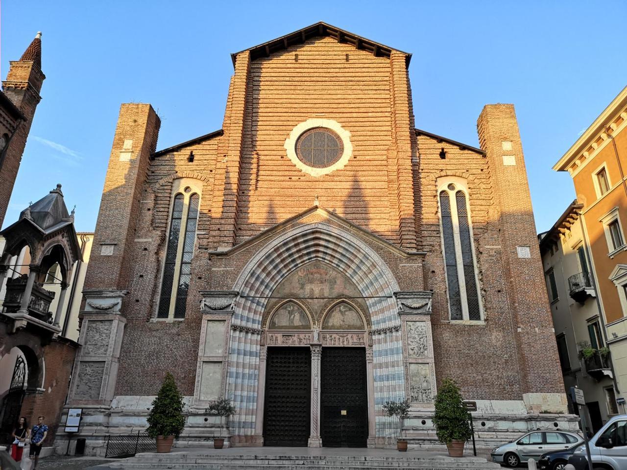 Церковь Святой Анастасии, Верона