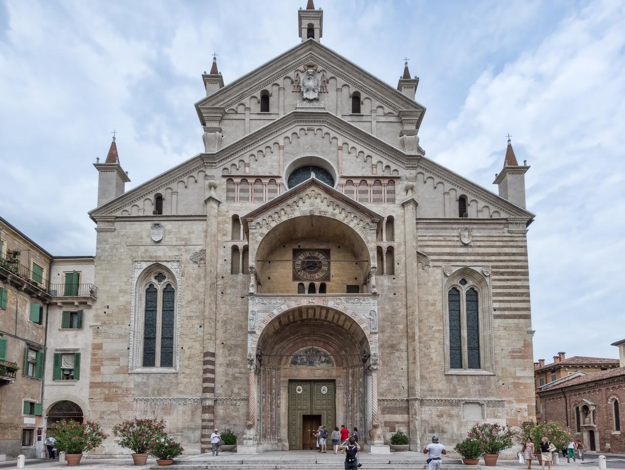 Кафедральный собор Вероны, Верона