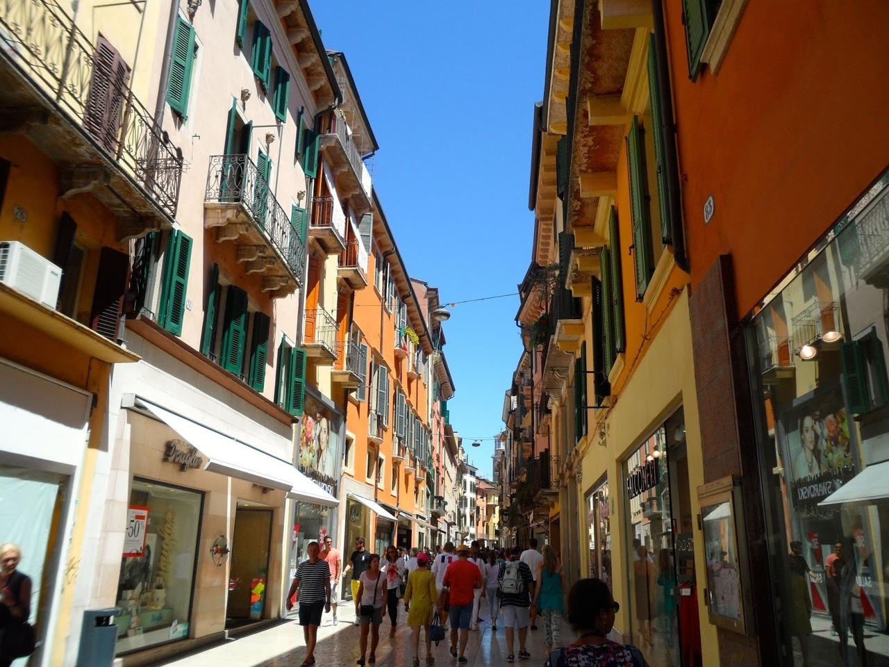 Улица Via Mazzini