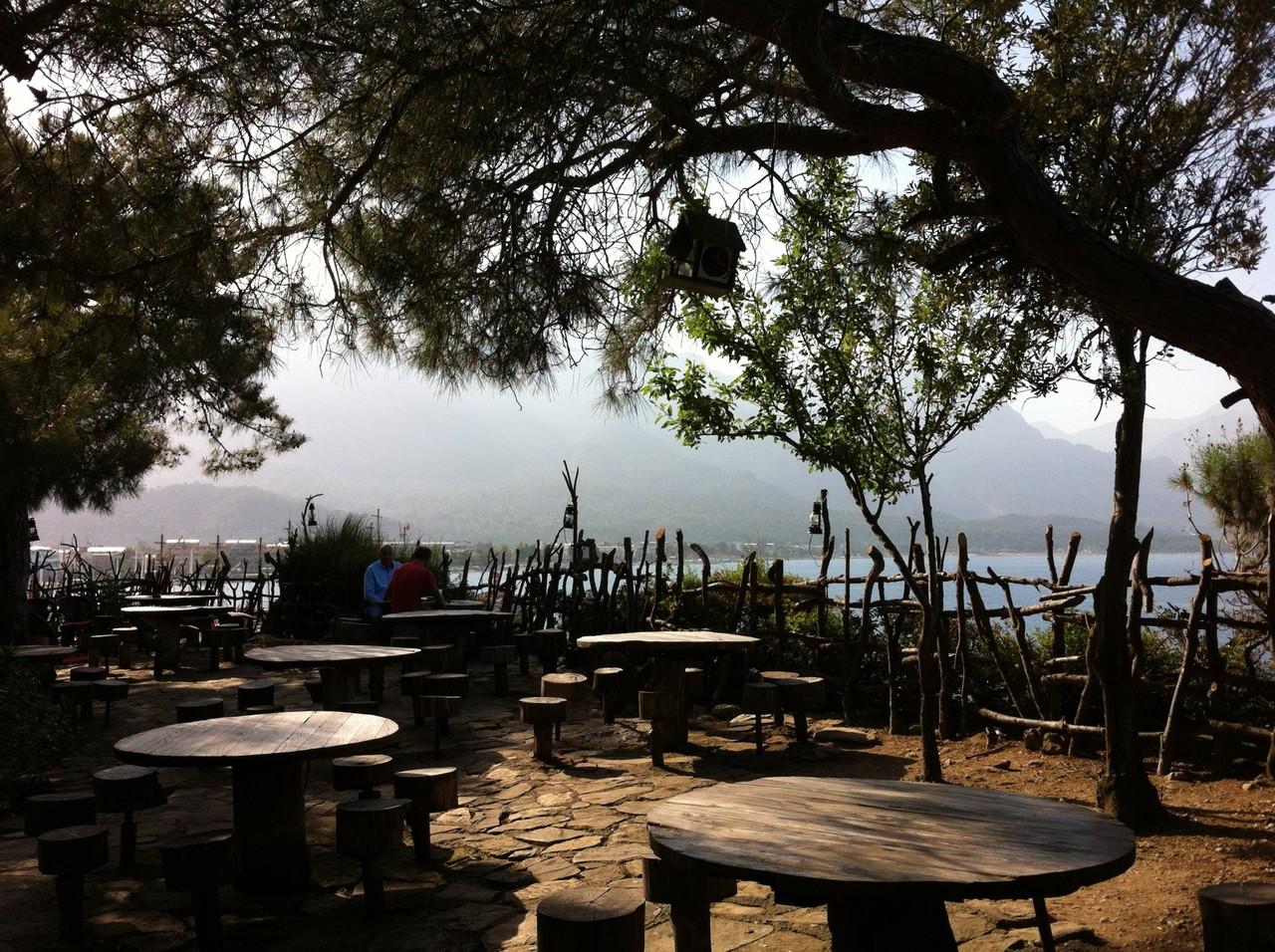 Ресторан в парке Йорук