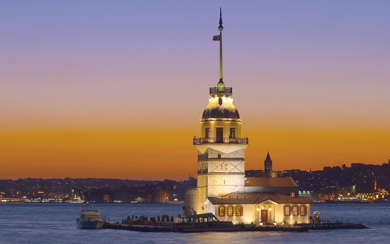 Девичья башня, пролив Босфор