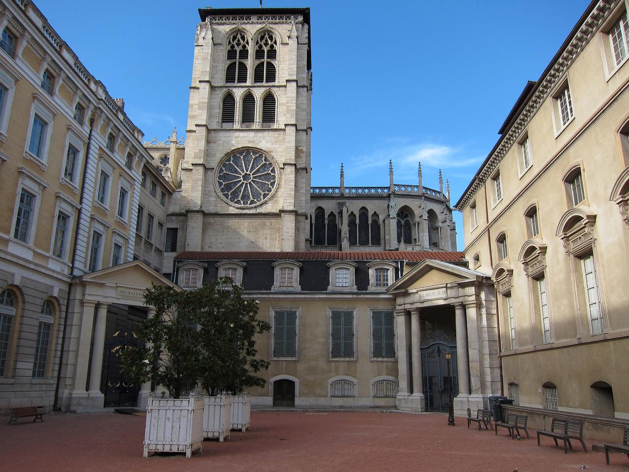 Собор Сен-Жан или Собор Иоанна Крестителя