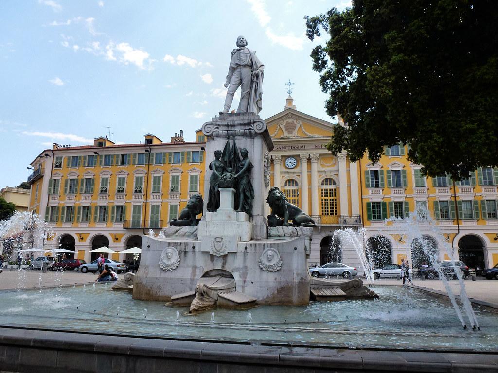 Площадь Гарибальди, Ницца