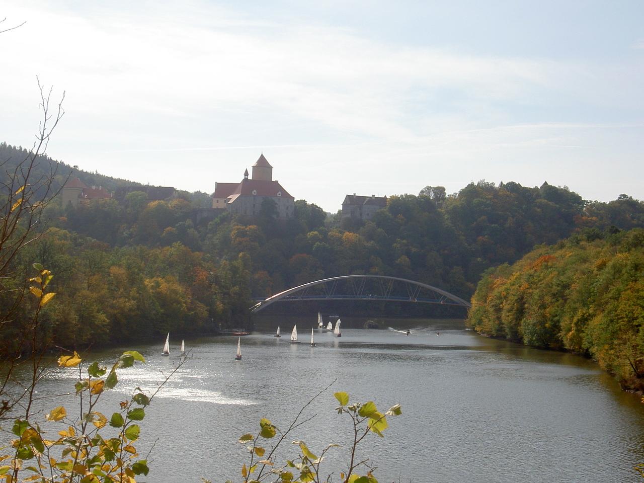 Брненская плотина и водохранилище